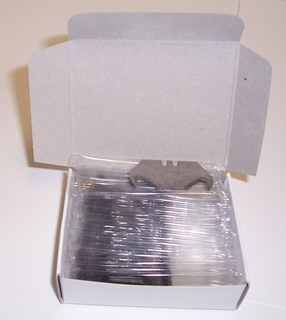 HOOKED BLADES HEAVY DUTY BOXED IN 100 PCS
